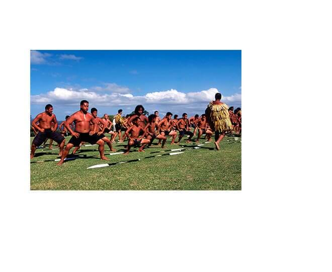 Povo Maori dança de ritual cultural na Nova Zelândia