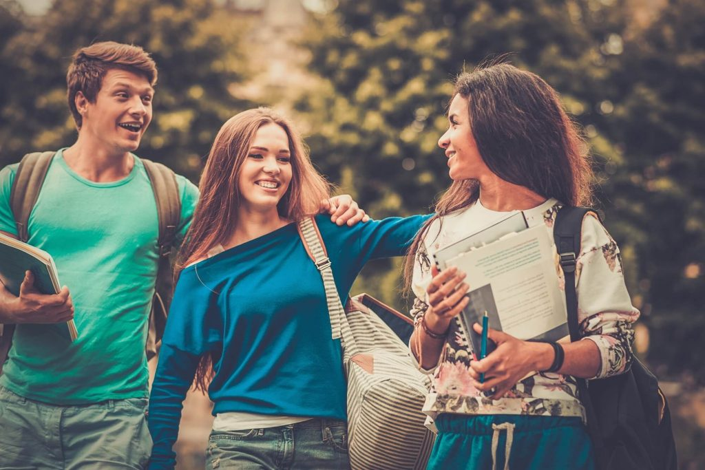 8 motivos para estudar e trabalhar no exterior